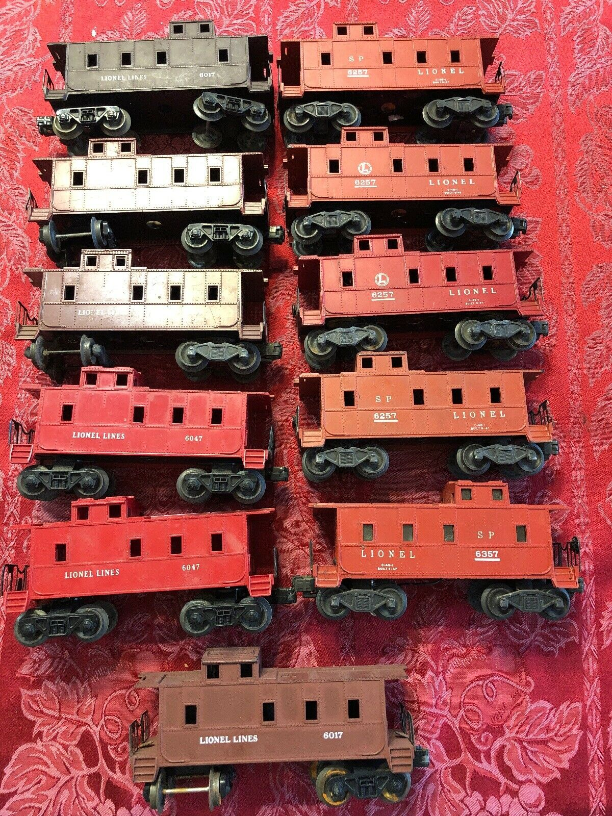 Lot Of 11 Lionel Line SP Caboose Train autos 6257 6257 6257 6047 6017 6357 rosso Marroneee ff7355