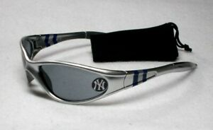 Read-Listing-New-York-Yankees-XL-logo-on-XTREME-WRAP-Sunglasses-Free-Pouch