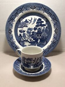 Image is loading NEW-IN-BOX-CHURCHILL-ENGLAND-BLUE-WILLOW-CHINA- & NEW IN BOX CHURCHILL ENGLAND BLUE WILLOW CHINA DINNER SET PLATE CUP ...