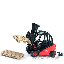 Bruder Linde H30D Forklift w/ 2 Pallets Toy Truck - 02511