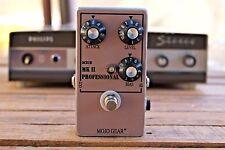 Mojo Gear Professional MkII Tone Bender replica with OC81 germanium transistors
