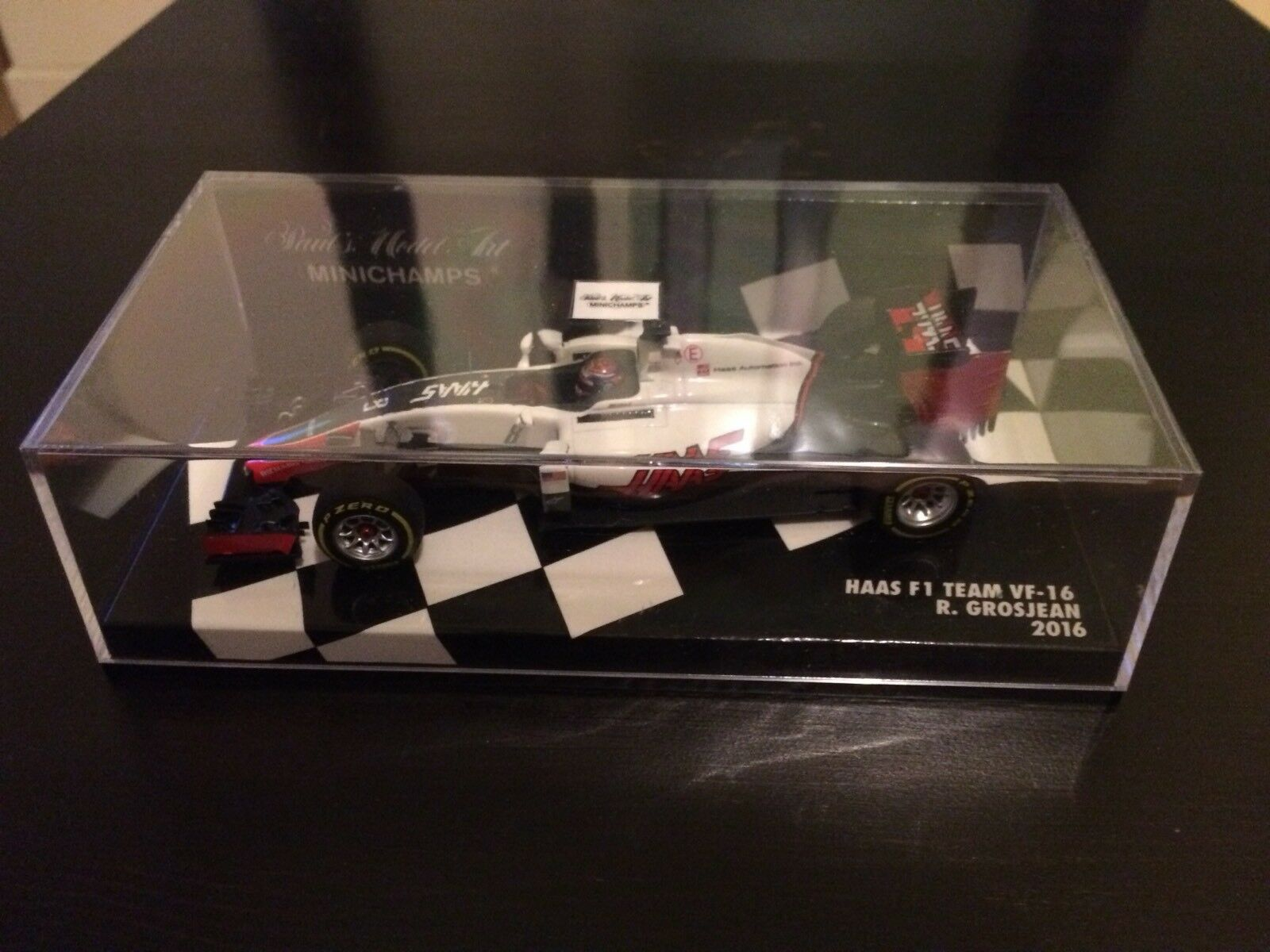Minichamps Haas F1 Team VF-16 R.Grosjean 2016