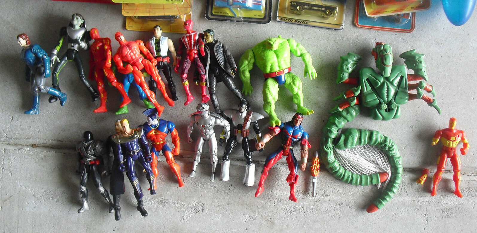 BIG Lot of 18 Marvel Super Hero Action Figures
