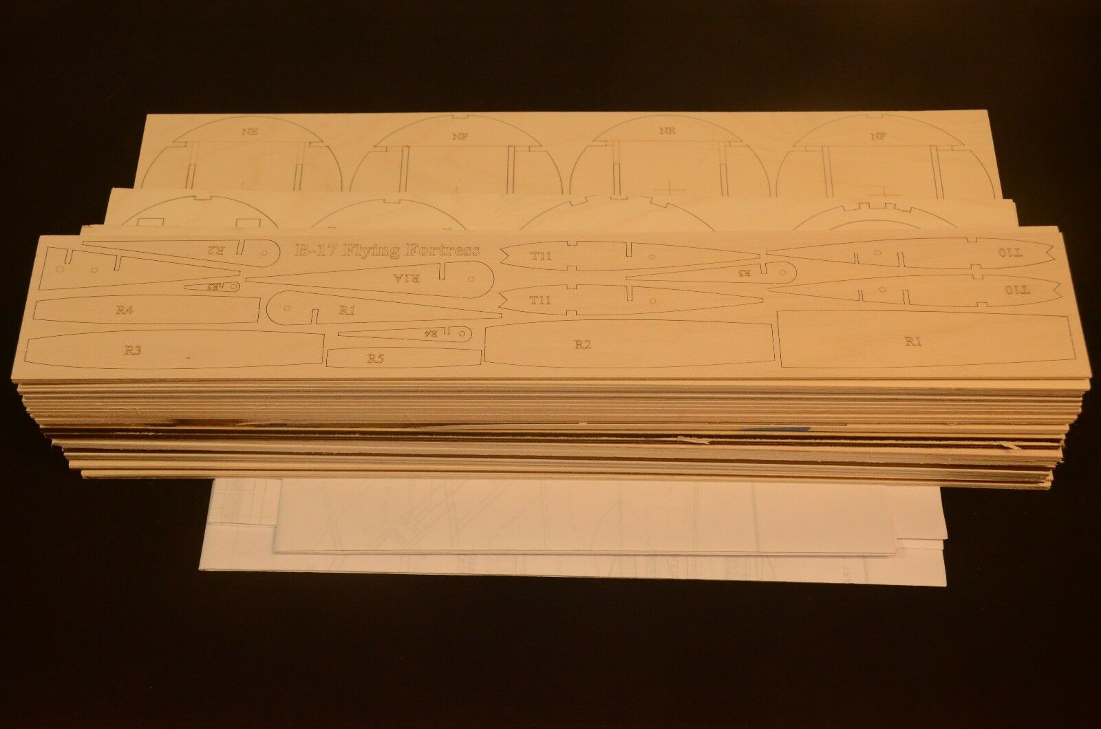 Giant 1 10 Scale B-17 FLYING FORTRESS Laser Cut Short Kit & Plans 125 in. WS