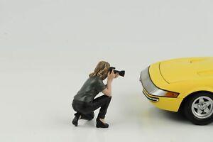 Figurine-Week-End-car-Show-Photographe-Femme-1-18-American-Diorama-III-N-Car