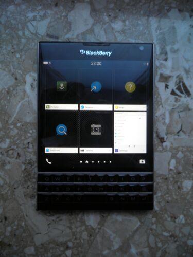 1 von 1 - BLACKBERRY Passport 32 GB Schwarz Smartphone Quad Core Prozessor