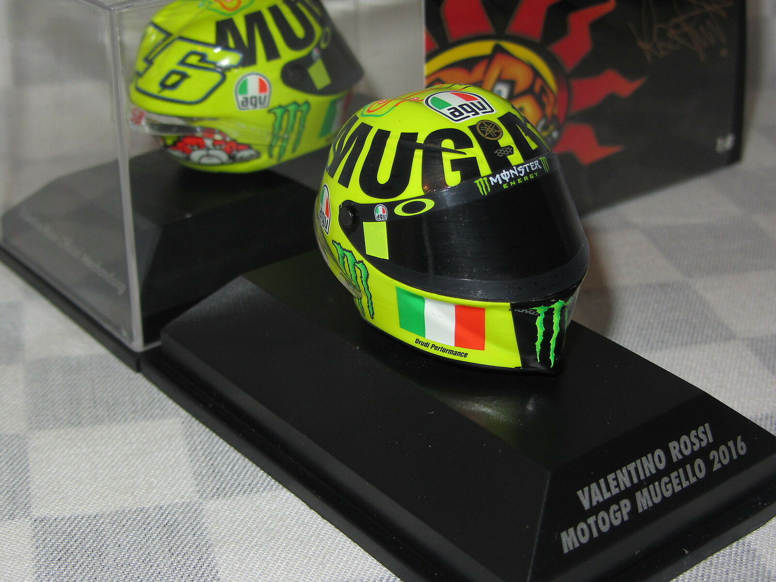 1 8 MINICHAMPS ROSSI MOTO GP MUGELLO 2016 AGV REPLICA HELMET 398 160086 ED 71