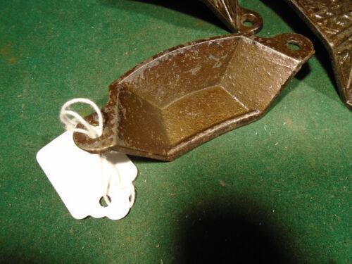 9611 CAST STEEL VINTAGE WINDSOR EASTLAKE DRAWER // BIN PULL BRASS WASH