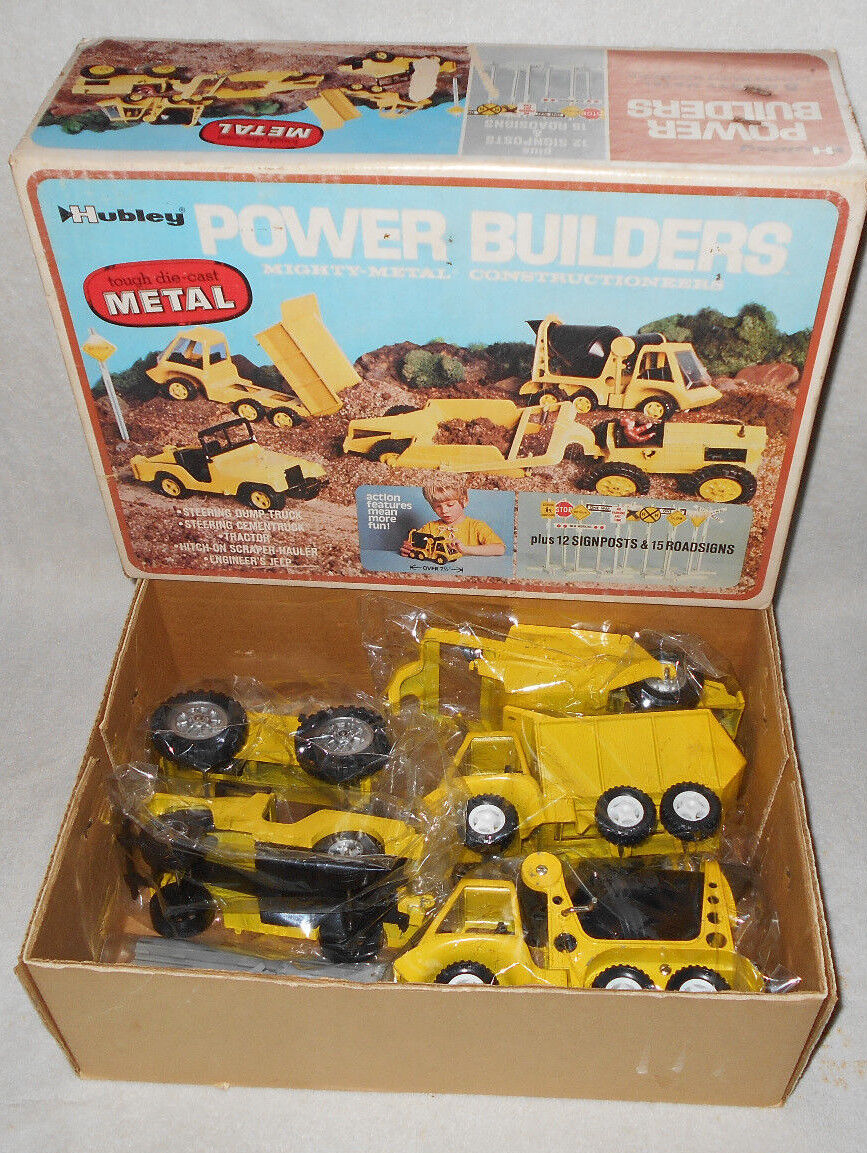 1972 Hubley Power Builders 5 Mighty Metal Constructioneers Set w  Road Signs BOX