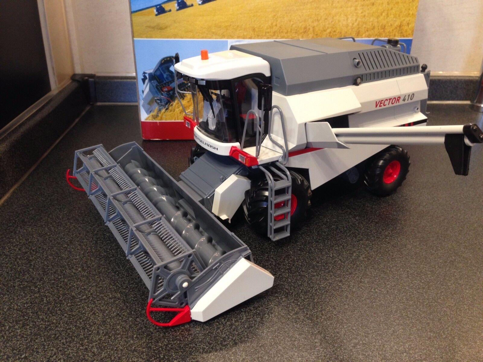 1 32 Rostselmash Vector 410  Combine Harvester  Mähdrescher  Moissonneuse SALE
