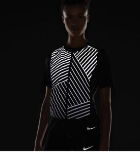 2785f025a1 Nike Aeroloft Flash Reflective Running Vest Women s 856590-010 SZ XS ...