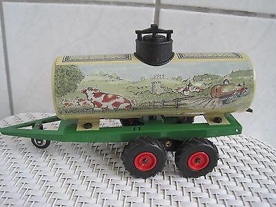 Trecker Traktor *neu* 100% Hochwertige Materialien Spielzeug Blechspielzeug Kompetent Blechspielzeug Anhänger Güllewagen 1:25 Passend Z