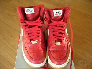 Red Shoes Size 7Y GS Grade School