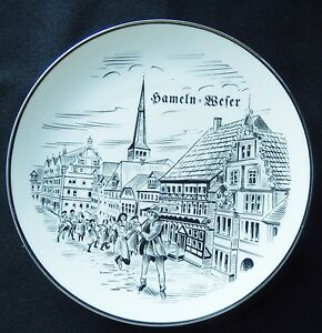 SCOTTISH PIPER Ceramic Display Plate Stand 15cm TARTAN Collectable SOUVENIR UK