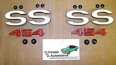 "1971-1972 Chevelle Malibu Front Fender Chrome Script /""Malibu/"" Emblem Pair"