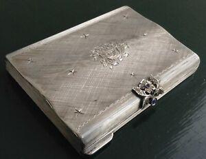 Portacipria-argento-vintage-forma-bombata-inciso-bulino-mano-pietre-blu-specchio