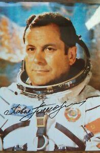 Vostok 4, Soyuz 14 Pavel Popovich original signed photo, Wostok Pawel Popowitsch