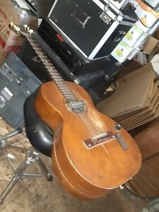UNKNOWN-BRAND-SLIDE-ACOUSTIC-VINTAGE-BLUESMAN-GUITAR-W-HC-SOLD-AS-IS-PROJECT