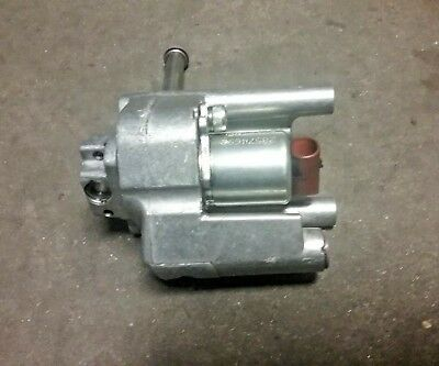 Mack Mp8 Cam Oiler Valve With Bolts Transfer Case Adapter 20713422 3108
