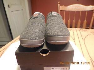 8837b70dca5 Details about UGG MEN'S SAMVITT CLOG SLIPPER #1018237 BLACK SIZE 10 US NEW  IN BOX