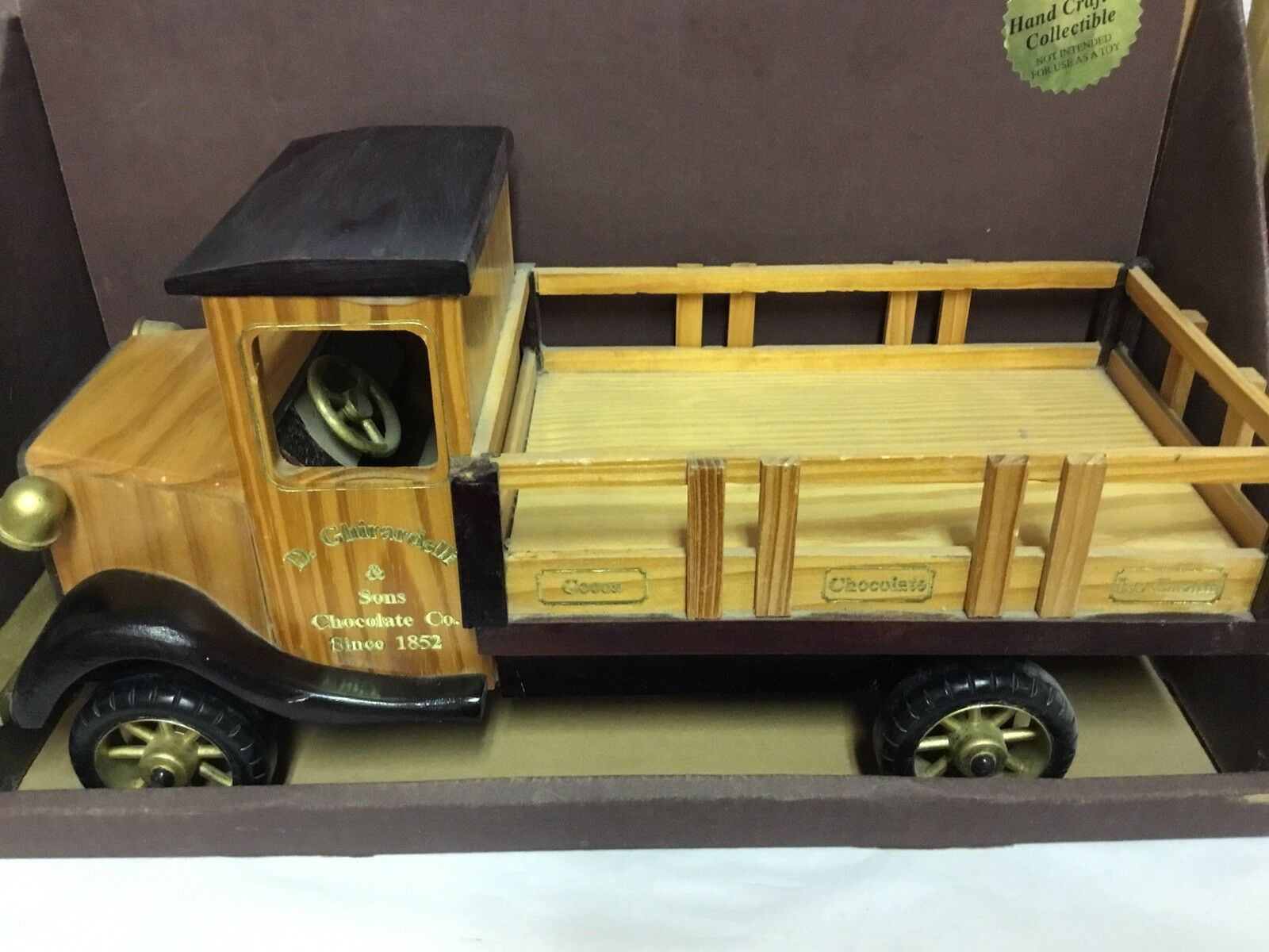 VINTAGE COLLECTIBLE D.GHIRADELLI CHOCOALTE FACTORY FACTORY HAND CRAFTED  WOODEN TRUCK
