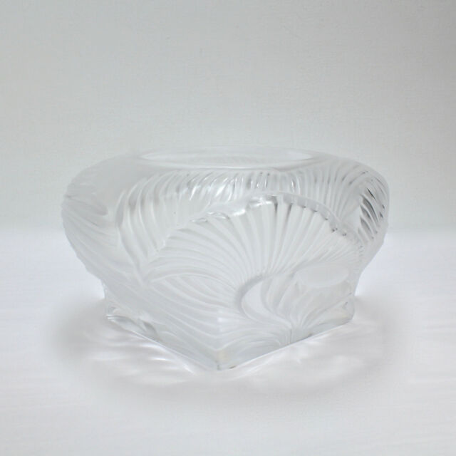 Gl Egg Vase on