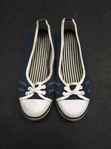 Par de zapatos de chicas. Talla 5. 13-14 Años. tu. < A3808