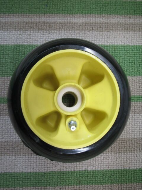 AM115488 John Deere 425 yellow 48