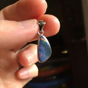 AustraliaDoublet-OPAL-Nice-Red-colors-pendant-S925-coated-W-Rhodium-6-65cts-118