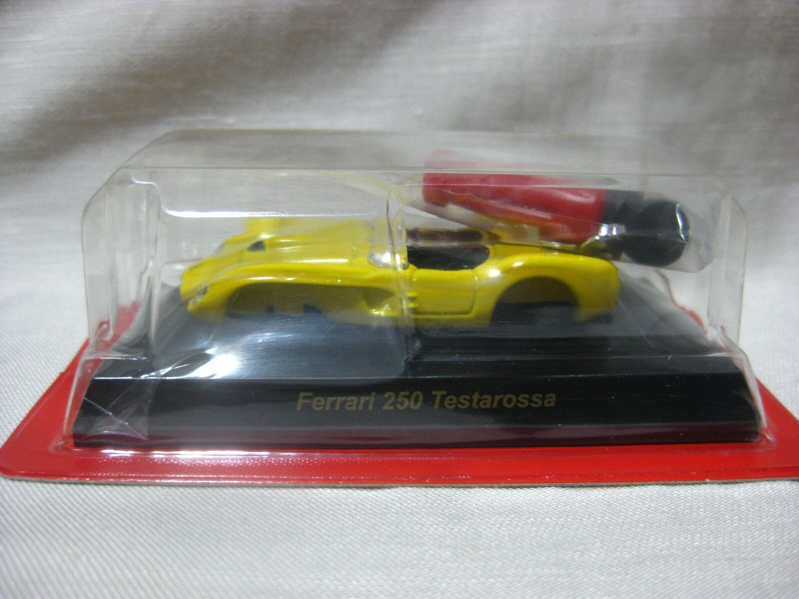 1 1 1 64 Kyosho Ferrari 250 Testarossa Yellow Diecast Model Car fd88f5