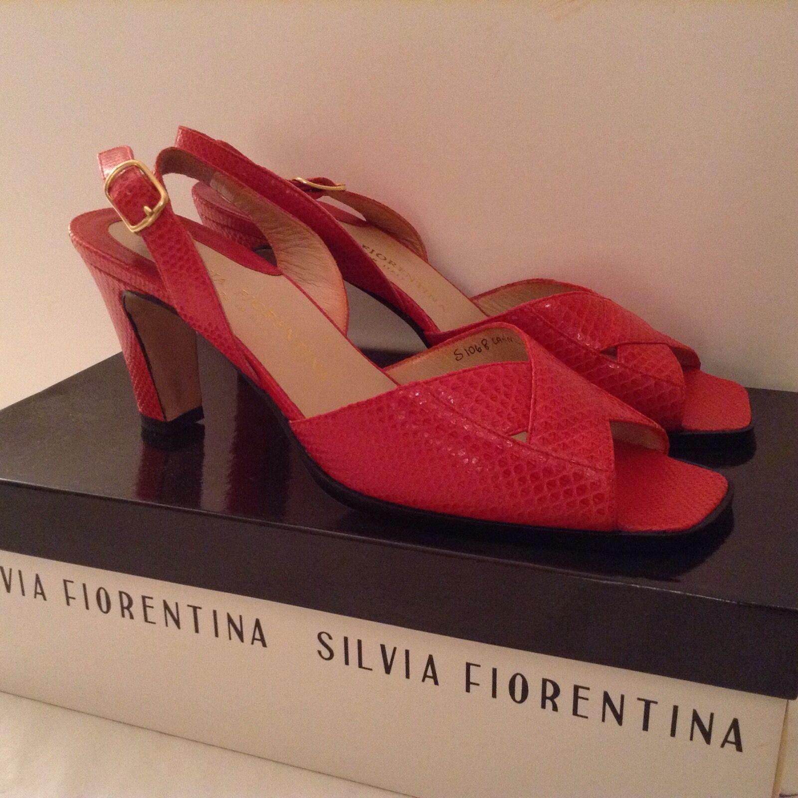 Nuevo Nuevo Nuevo Silvia Fiorentina, Bergdorf Goodman en relieve en cuero en Charol Rojo Talla 7.5  suministro directo de los fabricantes