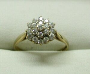 9-Carat-Gold-Lovely-Cubic-Zirconia-Cluster-Ring-Size-O