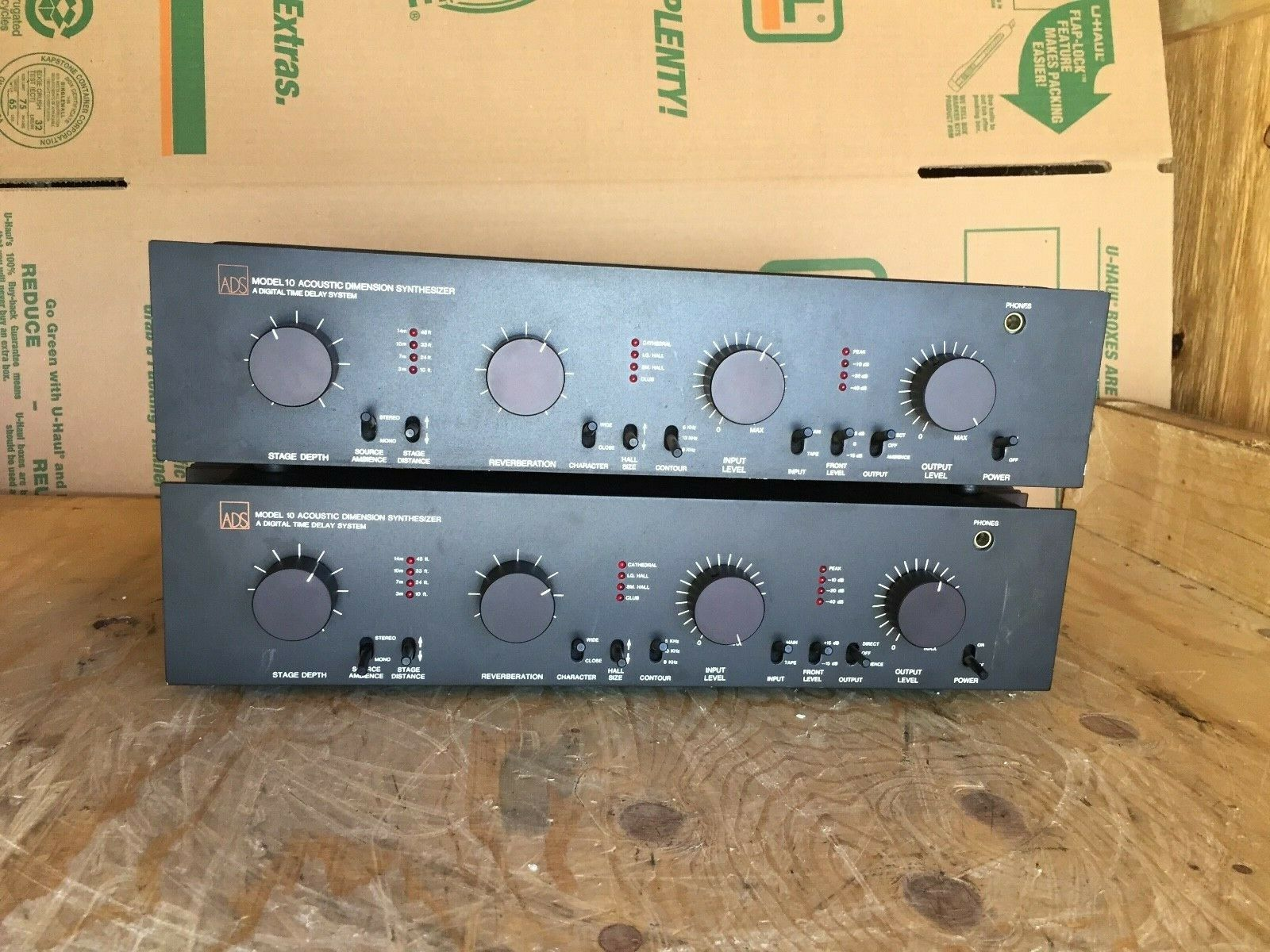 ADS MODEL 10 ACOUSTIC DIMENSION SYNTHEstorlekR A DIGITAL TIME DELAY SYSTEM - A PAIR
