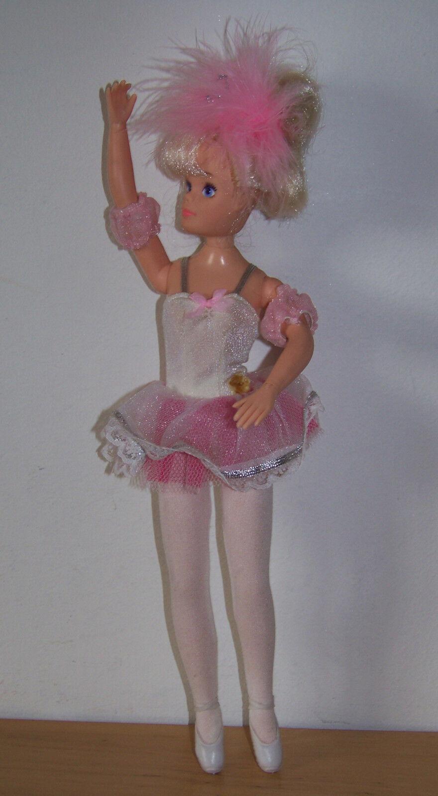 VINTAGE Sindy Balletto Bambola circa anni 1980.