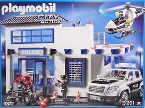 PLAYMOBIL-9372-Polizeistation-mit-Landeplatz-Heli-Auto-Quad-4-Figuren-Laptop-NEU