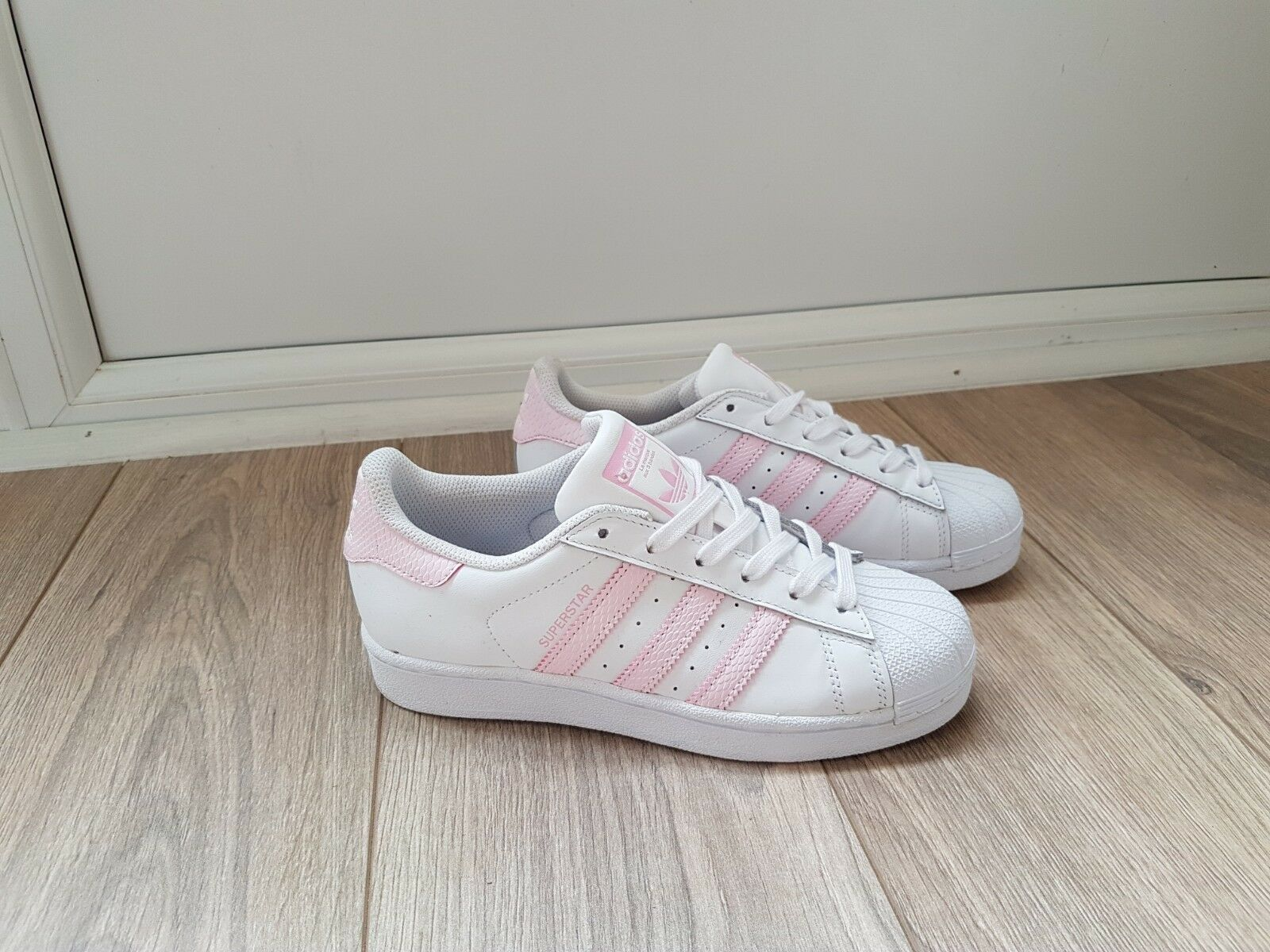 Adidas SUPERSTAR women's trainers size 3 The most popular shoes for men and women