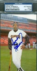 FRANK-ROBINSON-SIGNED-TEAM-ISS-PHOTO-PSA-DNA-AUTOGRAPH-AUTHENTIC