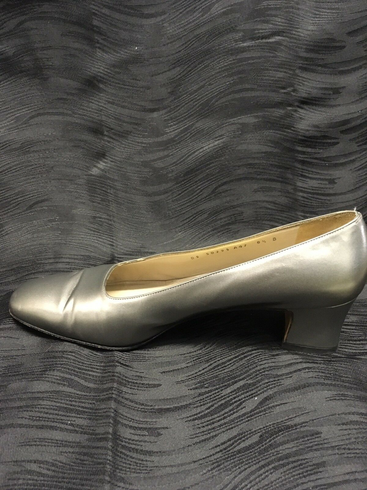 SALVATORE Heels FERRAGAMO  Silver Pewter Leder Slip On Heels SALVATORE Pumps Schuhes 8.5 B a5530f