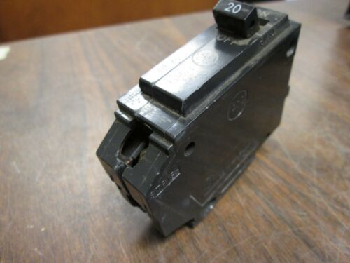 GE Circuit Breaker HACR 20A 120//240V 1P Lot of 20 Bolt On Used