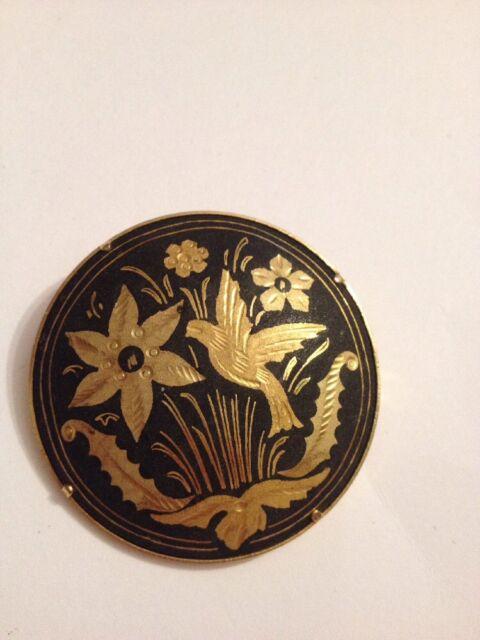 VINTAGE BIRDS FLOWERS & LEAVES DAMASCENE GOLD PLATED PIN(G596)