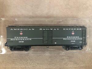 Lionel-6-17377-American-Railway-Express-Express-Refrigerator-302
