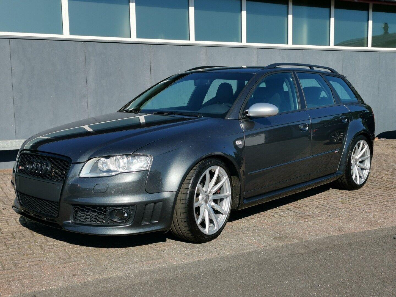 Audi RS4 4,2 Avant quattro 5d