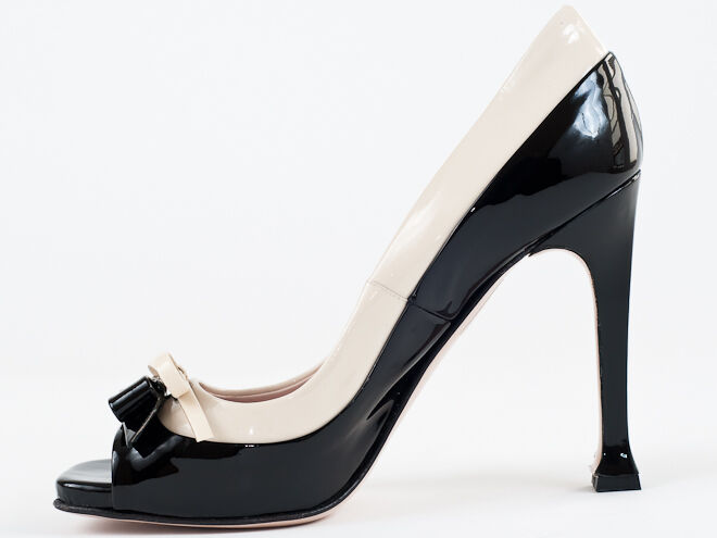 New MIU MIU by by by Prada Peep Toe Noir & Beige Cuir verni Chaussures Taille 35.5 US 5.5 27819f