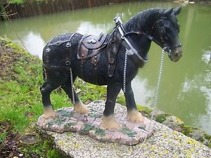 NA0394-GRAND-FIGURINE-STATUETTE-PERCHERON-CHEVAL-FERME-ANIMAL-37-cm