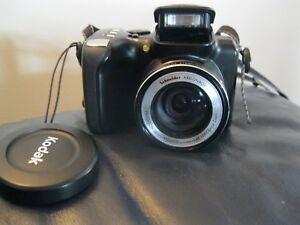 Kodak-EasyShare-Z712-IS-7-1-Mega-Pixels-12X-IS-color-science-chip-Lowepro-Bag