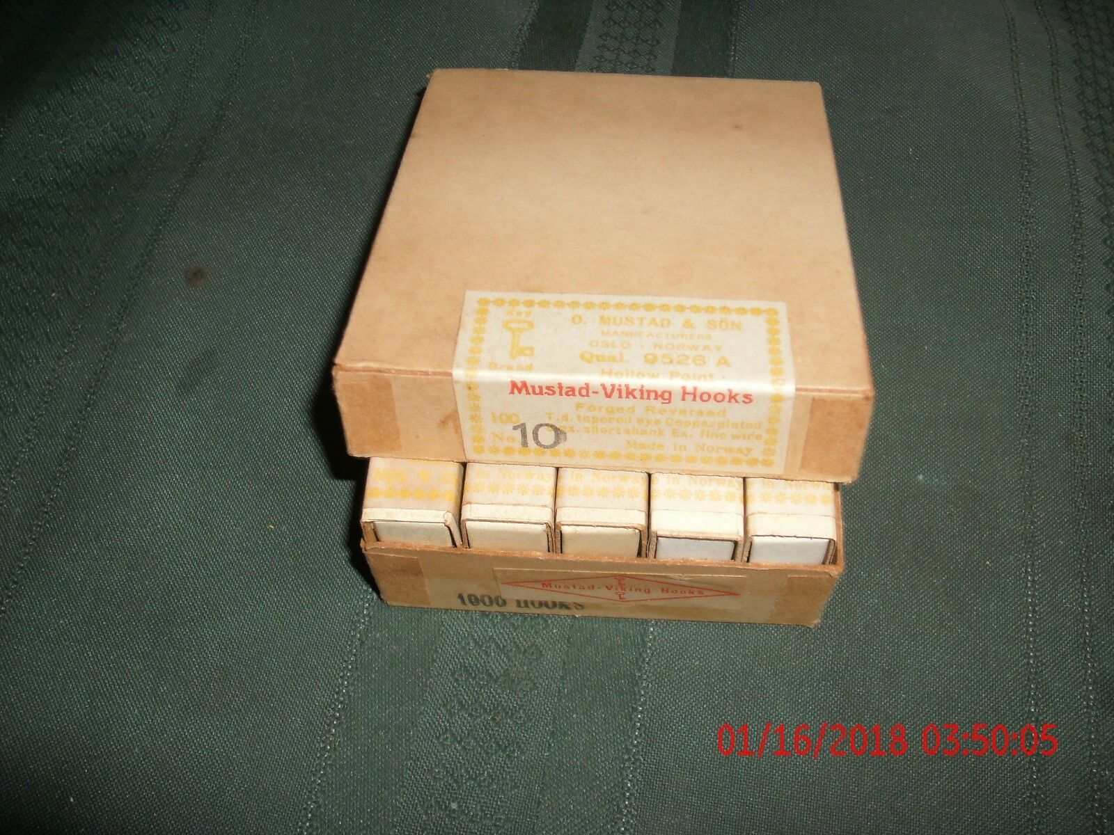 Vintage mustad 9526a size 10 copperplated 10 boxes of 100 fly hooks 1940 50s