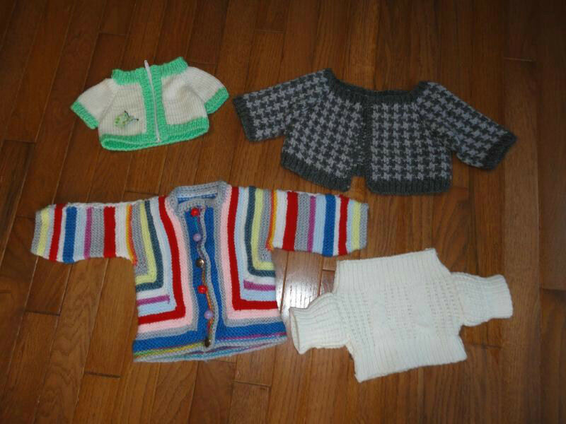 4 Hefatto Knitted Sweaters for bambolas or Teddy orsos
