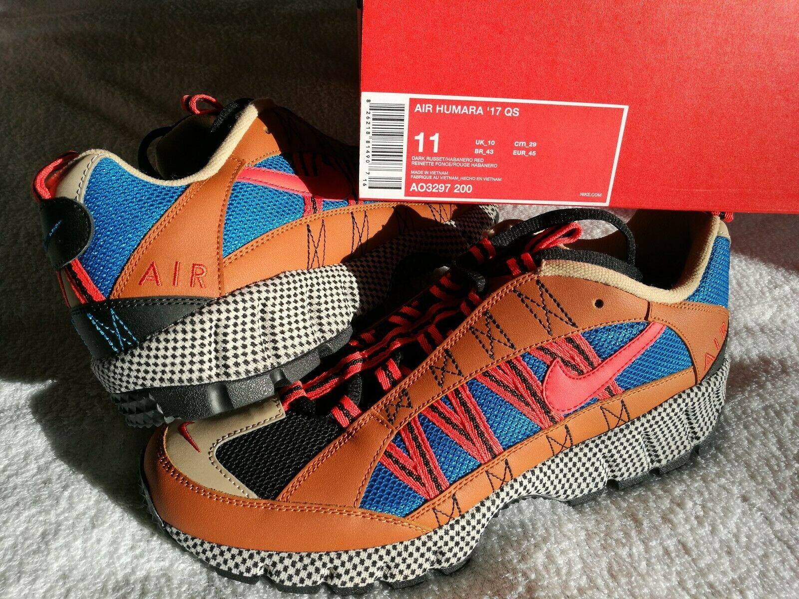 Nike Air Humara 17 QS Walking Boots UK Size 10 NEW in Box R.R.P. .95p