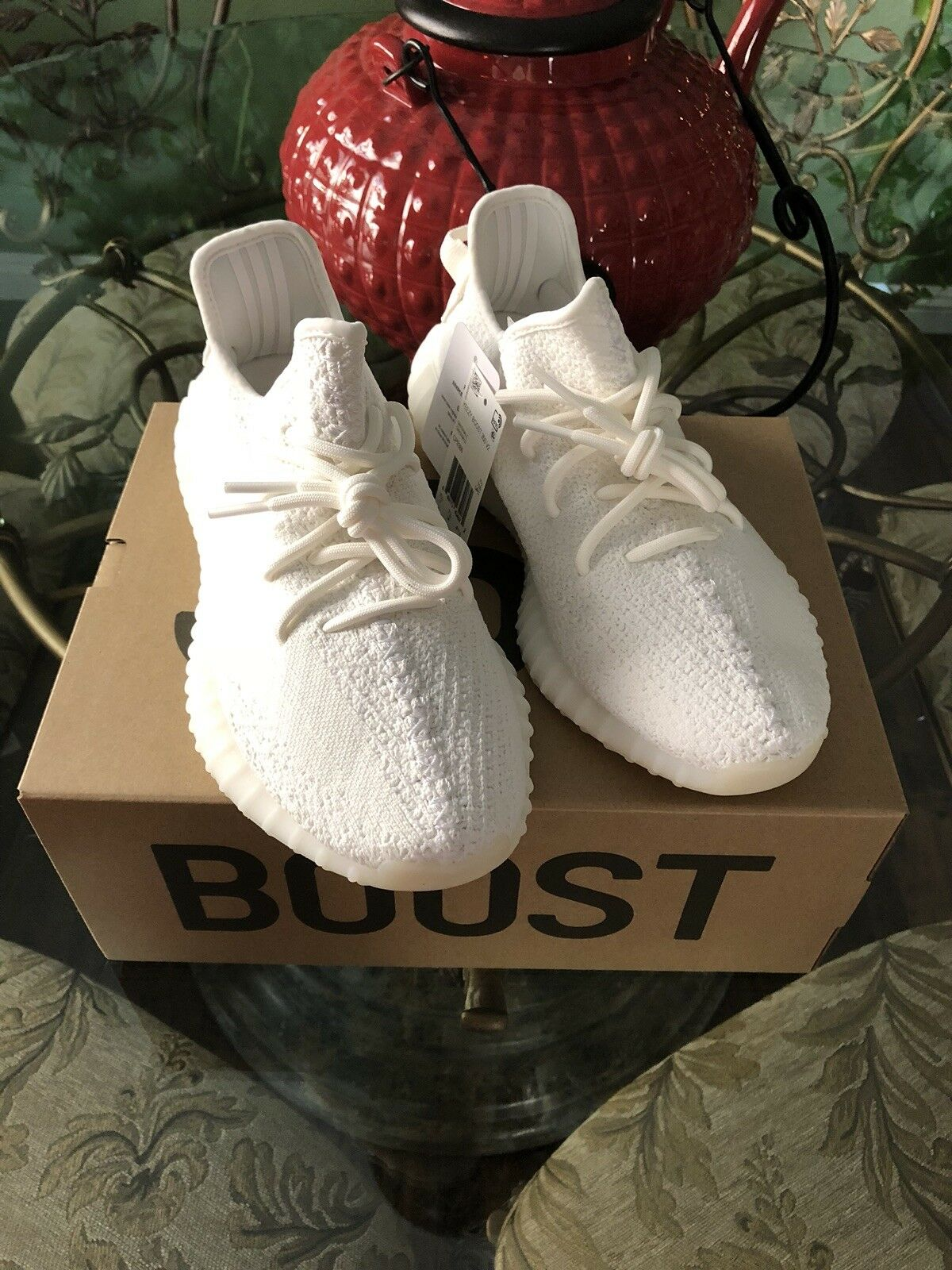 100% 100% 100% Authentic Adidas Yeezy Boost 350 V2 Triple White Kanye Size  8 5615e2