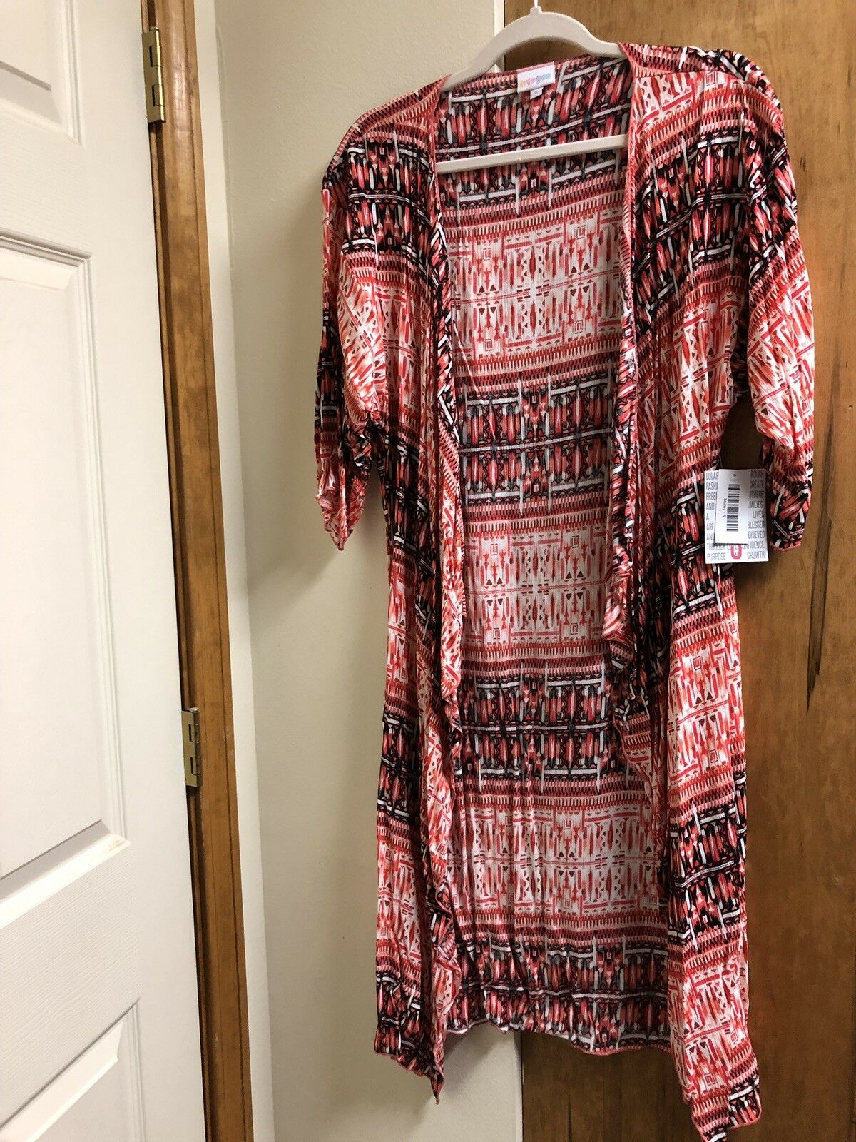 LuLaRoe Floral Shirley  So Beautiful & Flowy Flowy Flowy Size S 9eb185